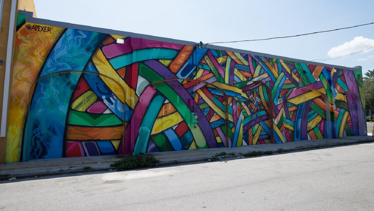 Apexer st pete mural tour downtown st pete for Mural 1 malaysia negaraku
